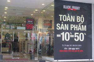 Trước ngày Black Friday, các cửa hàng thời trang ở Hà Nội đã khuyến mãi rầm rộ