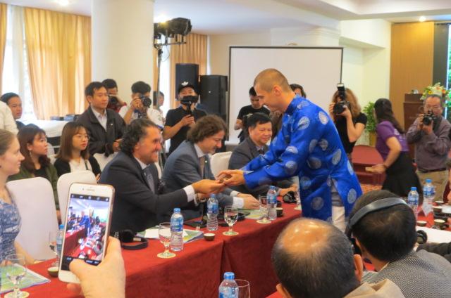 18 quốc gia tham dự cuộc thi Nghệ nhân Trà thế giới 2018 tại Huế