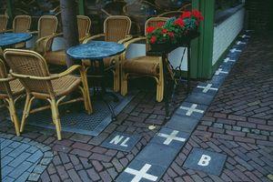 Thị trấn châu Âu khiến du khách 'rối não' vì đường biên giới phức tạp