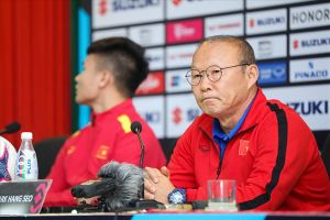 HLV Park Hang-seo đáp trả chỉ trích của HLV đội Myanmar