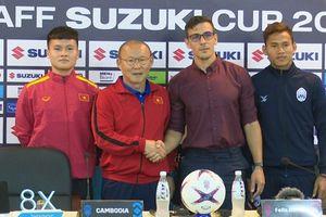 HLV Park Hang-seo 'đá xoáy' đồng nghiệp bên phía Myanmar không biết luật bóng đá