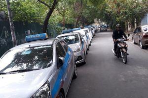 20.000 taxi 'khoác đồng phục', phân vùng hoạt động: Chuyên gia nói gì?
