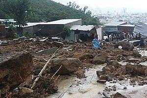 Đảm bảo nước sạch, vệ sinh môi trường sau bão số 8