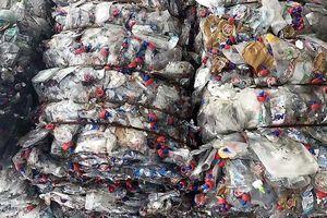 Bắt nhóm đối tượng nhập khẩu hàng chục tỷ đồng rác thải bẩn