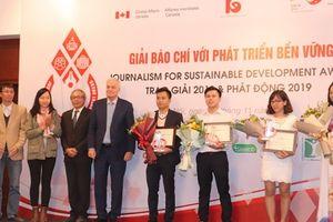 Vinh danh 10 tác phẩm đạt giải 'Giải báo chí với phát triển bền vững 2018'