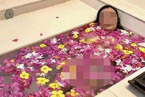 Nữ hiệu trưởng ở TP HCM gây xôn xao khi tự đăng ảnh nhạy cảm trong bồn tắm