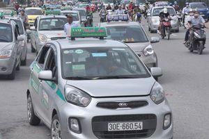 Bộ GTVT đề nghị Hà Nội không quy định một màu sơn taxi