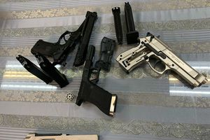 Bắt giữ hành khách mang vũ khí từ Pháp về Việt Nam