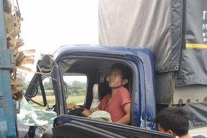 Thái Nguyên: Tài xế 'số khổ' vừa bị tai nạn xong lại bị xe đâm khi đang đi cấp cứu
