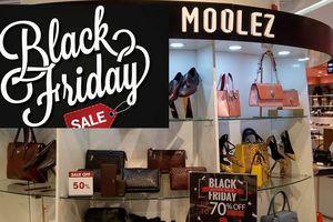 Black Friday: Hàng hiệu bung hàng sale 'khủng' trong các trung tâm thương mại