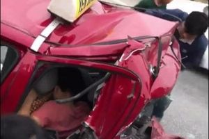 Hai lần gặp nạn trên 2 chiếc xe cùng 1 thời điểm