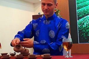 Thí sinh đến từ 15 quốc gia tham dự cuộc thi 'Nghệ nhân trà thế giới'