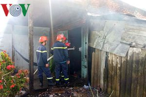 Phóng hỏa đốt nhà gây náo loạn khu dân cư