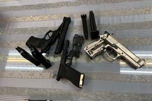 Bắt hành khách mang 3 khẩu súng từ Pháp về Việt Nam