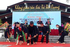 Triển lãm múa Tắc Xình của dân tộc Sán Chay tỉnh Thái Nguyên