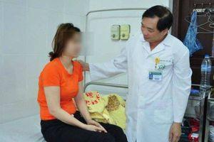 Chứng bệnh khiến nữ sinh 18 tuổi cứ bực mình là... vật xuống đất