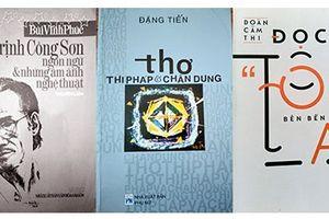 Diễn giải văn chương Việt từ bên kia chân trời
