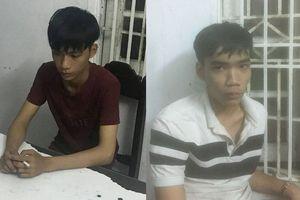 Người dân hỗ trợ công an bắt 2 thanh niên 10X cướp giật iPhoneX của nữ du khách nước ngoài ở Đà Nẵng