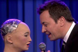 Robot Sophia hát karaoke như người thật khiến cả thế giới choáng váng