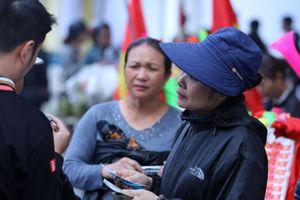 Vé chợ đen ở Hàng Đẫy chưa hạ nhiệt trước trận Việt Nam - Campuchia