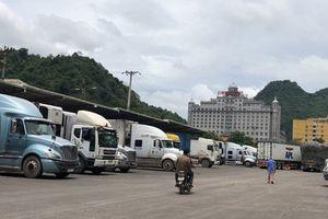Xuất hàng tiểu ngạch qua Trung Quốc lắm rủi ro