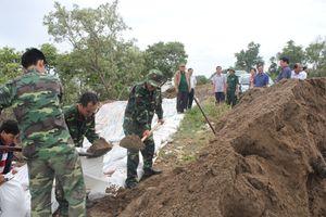 BĐBP Tiền Giang huy động cán bộ, chiến sỹ tham gia hộ đê ứng phó cơn bão số 9