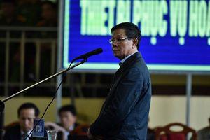 Bị cáo Phan Văn Vĩnh: 'Tôi cho tổ ong vào tay áo'