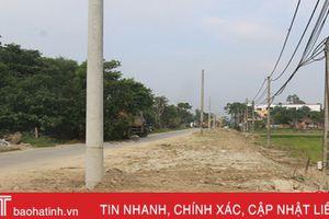 Cột điện trên đường Nguyễn Trung Thiên được trồng đúng quy hoạch