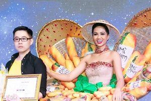 Bộ quốc phục Bánh mì gây tranh cãi, NTK lên tiếng: 'Tôi hướng đúng tiêu chí của cuộc thi sắc đẹp quốc tế'