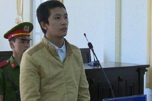 Lâm Đồng: Dùng dao đâm chết bạn vì mượn điện thoại không trả