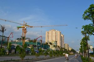 Hà Nội: Cẩu tháp xây dựng tiềm ẩn nhiều nguy cơ mất an toàn lao động