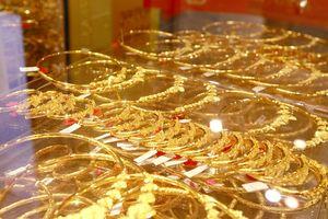 Giá vàng chốt tuần giảm gần 200.000 đồng/lượng