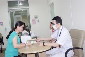 TPHCM: Nhiều giáo viên được khám, tư vấn ung thư miễn phí