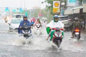 Ảnh hưởng bão số 9, học sinh TP.HCM được nghỉ học ngày mai
