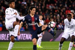 Cavani lập siêu phẩm, PSG thắng tối thiểu Toulouse