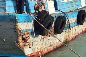 Bình Thuận: Thiệt hại hàng chục thuyền máy, sạt lở 2km bờ biển vì bão số 9