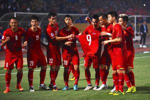 Tin AFF Cup 2018 ngày 25.11: Tuyển Việt Nam vào TP.HCM tập luyện; Báo Châu Á ca ngợi hàng thủ Việt Nam