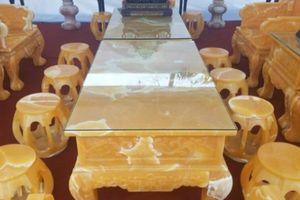Cận cảnh bộ bàn ghế 8 tỷ làm từ 50 tấn ngọc của đại gia Việt