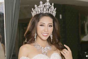 Hoa hậu Đại dương Đặng Thu Thảo diện váy cưới dài 5m trong hôn lễ