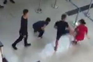 3 đối tượng hành hung nhân viên Vietjet bị cấm bay 12 tháng