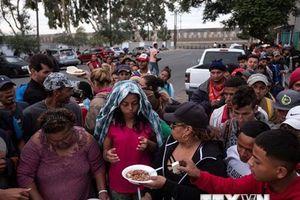 Tổng thống Donald Trump đe dọa đóng cửa biên giới với Mexico