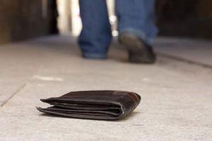 Truyện ngắn: Chiếc ví nhặt được