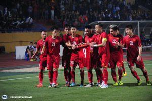 Văn Toàn bật khóc vì hành động cực đẹp của các tuyển thủ Việt Nam