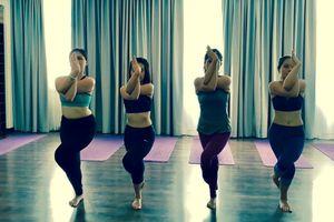 Yoga: cải thiện chứng thấp khớp với 'tư thế chim đại bàng'