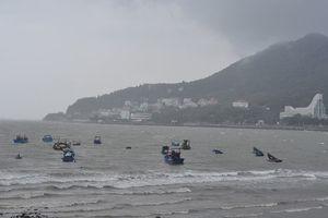 Bão số 9 gần tới đất liền, mưa to và gió mạnh tại nhiều địa phương