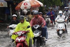 Học sinh TP Hồ Chí Minh tiếp tục nghỉ học thêm 1 ngày để tránh bão