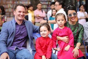 Chuyện showbiz: Hồng Nhung tiết lộ 2 con phải điều trị tâm lý