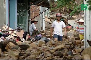 Dân Khánh Hòa trở lại nơi sạt lở trước bão bất chấp nguy hiểm