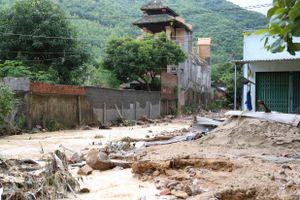 Nhiều nơi ở Khánh Hòa tan hoang sau bão số 9