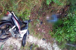 Hoảng hồn phát hiện nam thanh niên tử vong bên đường, cạnh xe máy